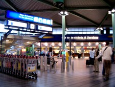 Designing Public Space for Mobility: Contestation, Negotiation and Experiment at Amsterdam Airport Schiphol